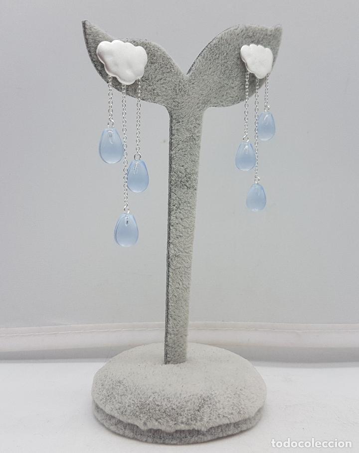Joyeria: Bellos pendientes en forma de nubes de plata de ley con gotas hechas en cristal austriaco azul . - Foto 2 - 142870816