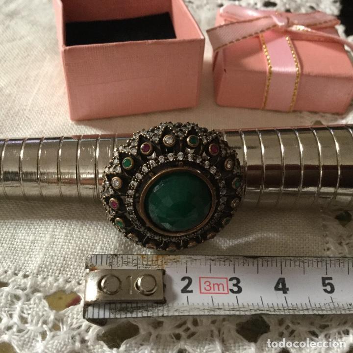 Joyeria: Anillo de plata con piedra verde facetada central tamaño 17.5 - Foto 4 - 130184275