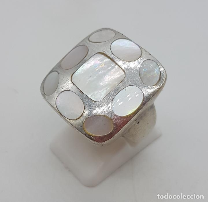 Joyeria: Gran anillo vintage en plata de ley contrastada, aplicaciones de nacar autentico . - Foto 2 - 132035058