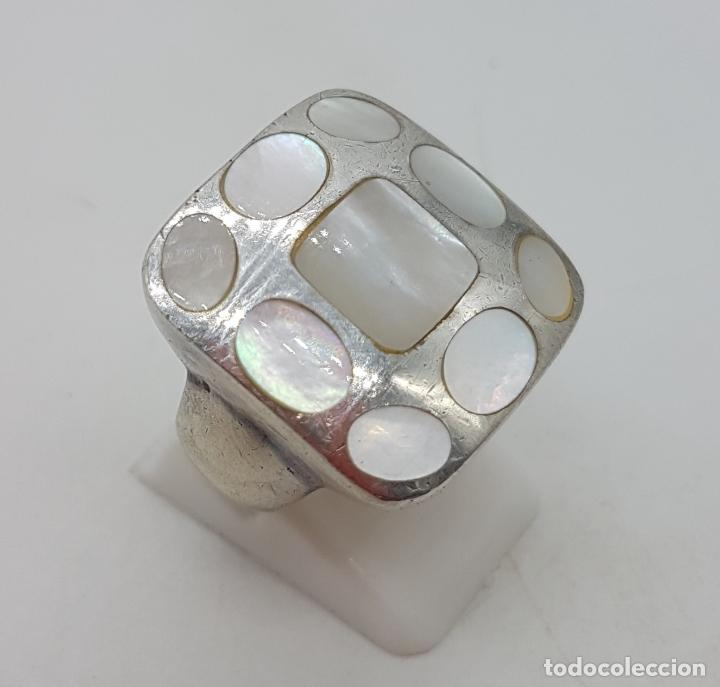 Joyeria: Gran anillo vintage en plata de ley contrastada, aplicaciones de nacar autentico . - Foto 4 - 132035058