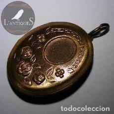Joyeria: COLGANTE PORTAFOTOS DORADO CON ROSAS PARA COLLAR. Lote 114218055
