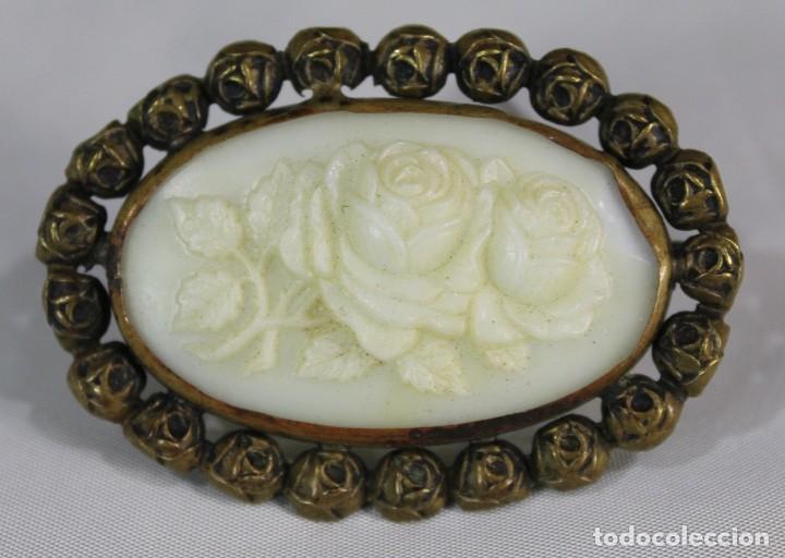 Joyeria: Antiguo y precioso broche en opalina tallada pps sXX - Foto 3 - 135141834