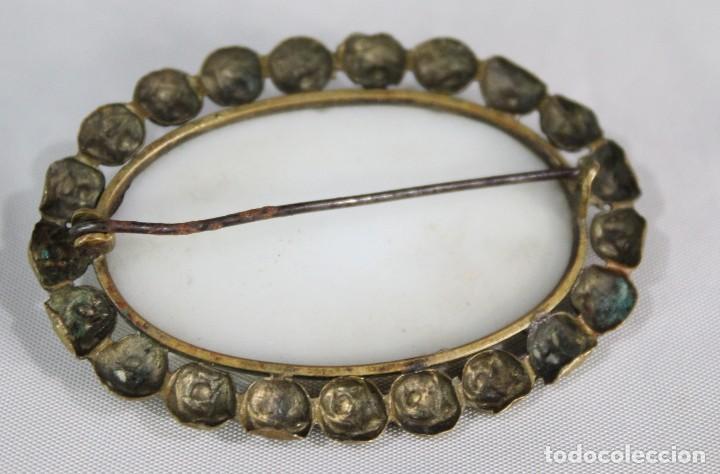 Joyeria: Antiguo y precioso broche en opalina tallada pps sXX - Foto 5 - 135141834
