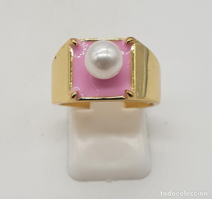 Joyeria: Anillo de estilo chic en plata de ley contrastada, baño de oro de 18k, esmalte rosa chicle y perla . - Foto 2 - 137858630