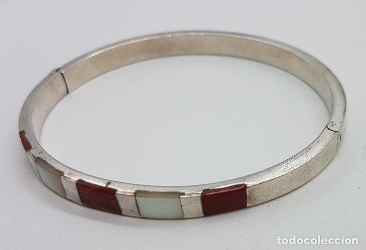 Joyeria: Brazalete antiguo en plata de ley contrastada, con aplicaciones de nacar y jaspe autentico . - Foto 2 - 138705806