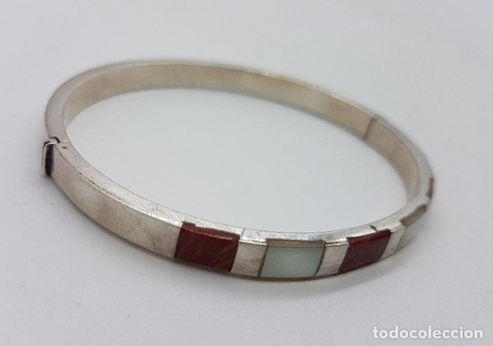 Joyeria: Brazalete antiguo en plata de ley contrastada, con aplicaciones de nacar y jaspe autentico . - Foto 4 - 138705806