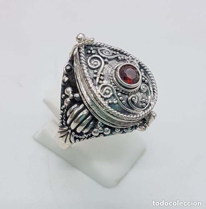 Joyeria: Impresionante anillo en plata de ley contrastada estilo rococó con cofre secreto y granate incrustad - Foto 3 - 144163208