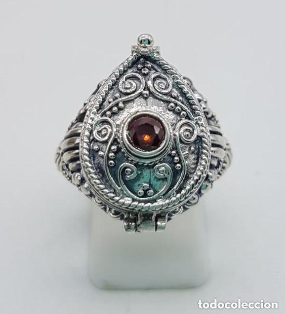 Joyeria: Impresionante anillo en plata de ley contrastada estilo rococó con cofre secreto y granate incrustad - Foto 4 - 144163208