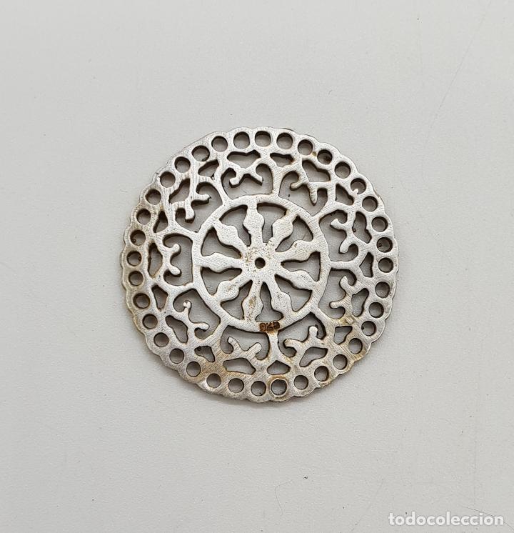 Joyeria: Bello colgante vintage de estilo boho en plata de ley contrastada y bello troquelado tipo mandala . - Foto 4 - 140211382