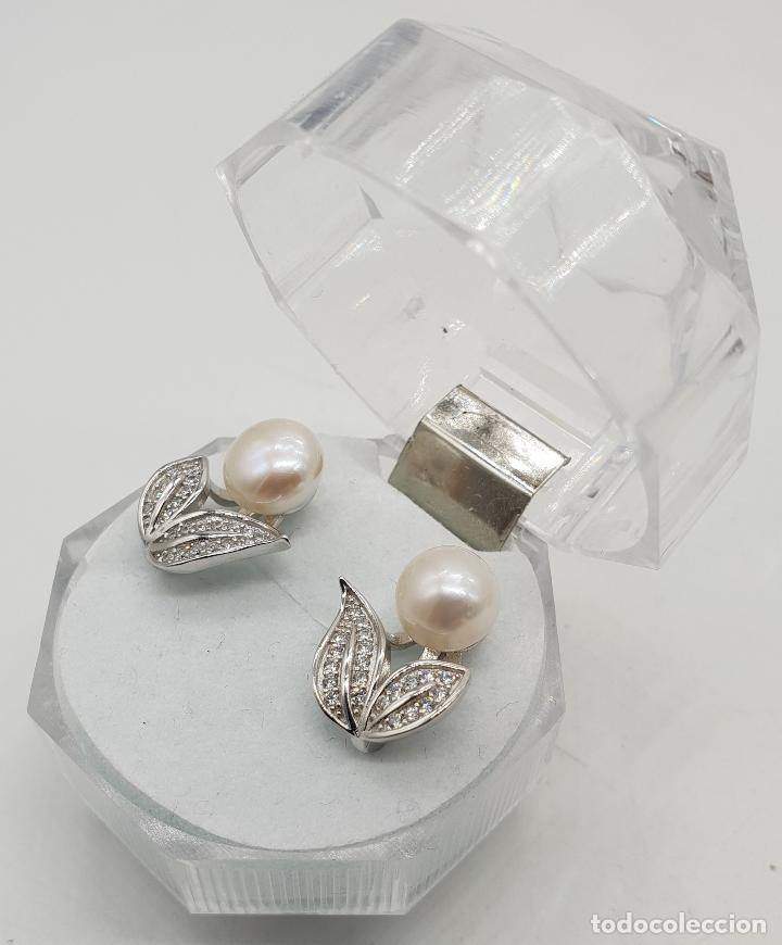 Joyeria: Elegantes pendientes de plata de ley con hojas de circonitas y perla de agua dulce . - Foto 2 - 140808010