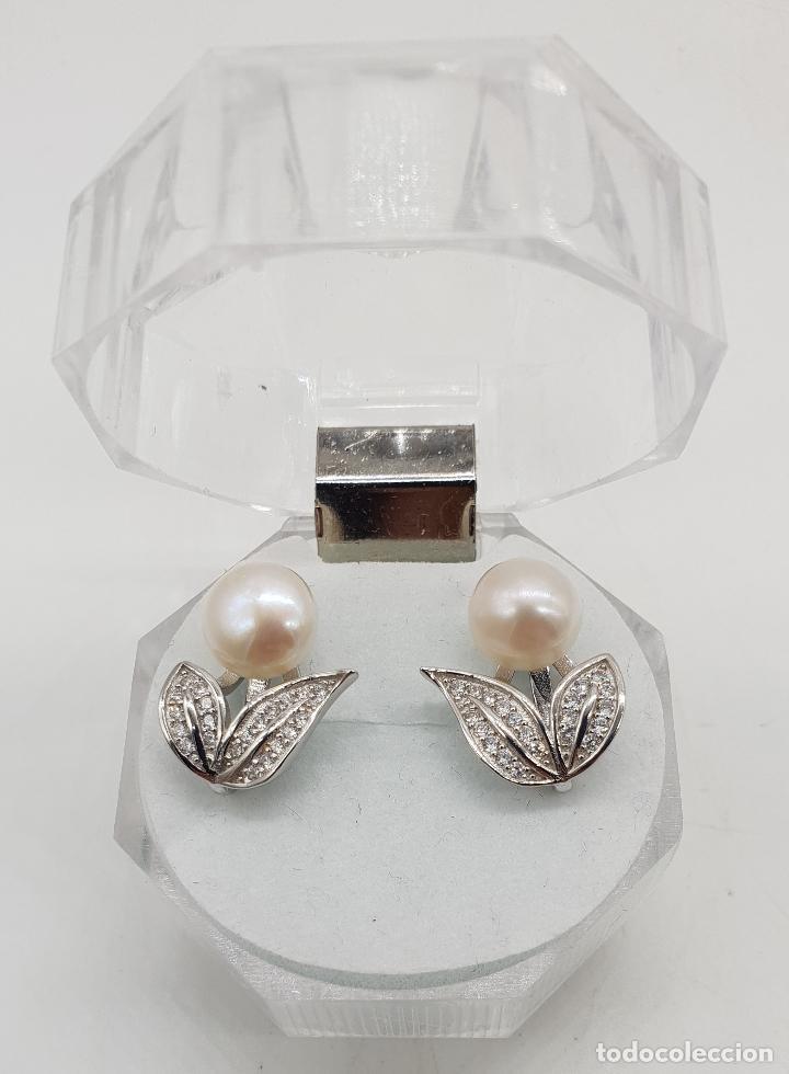 Joyeria: Elegantes pendientes de plata de ley con hojas de circonitas y perla de agua dulce . - Foto 3 - 140808010