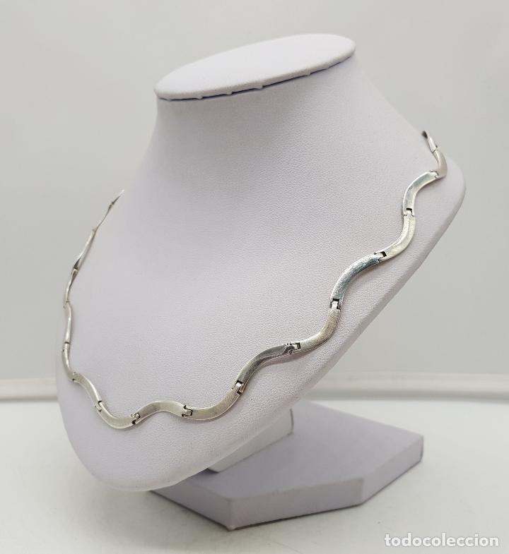 Joyeria: Bella gargantilla con eslabones de plata de ley en forma de ondas, contrastada . - Foto 2 - 141083350