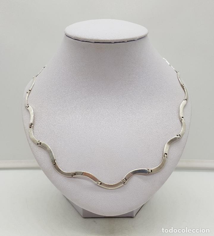 Joyeria: Bella gargantilla con eslabones de plata de ley en forma de ondas, contrastada . - Foto 3 - 141083350
