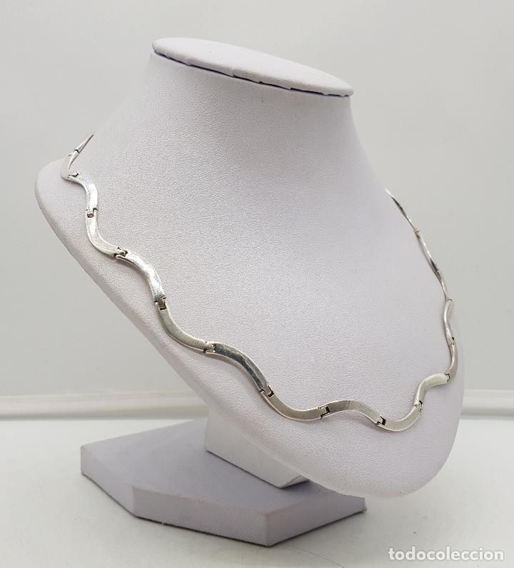 Joyeria: Bella gargantilla con eslabones de plata de ley en forma de ondas, contrastada . - Foto 4 - 141083350