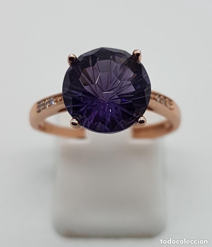 Joyeria: Elegante sortija tipo solitario de pedida en plata de ley, oro de 18k, y amatista talla diamante . - Foto 2 - 153257846
