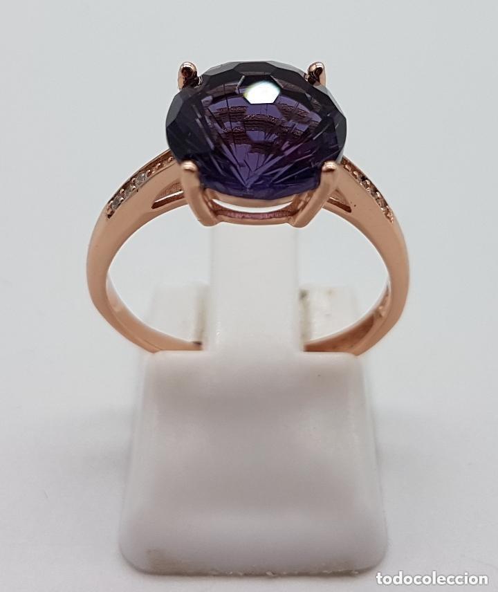 Joyeria: Elegante sortija tipo solitario de pedida en plata de ley, oro de 18k, y amatista talla diamante . - Foto 4 - 153257846