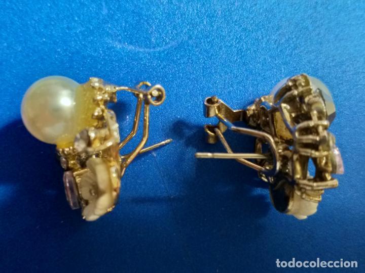 Joyeria: Elegantes pendientes. Conjunto de flor, perla y piedras. Bisutería - Foto 4 - 143113474