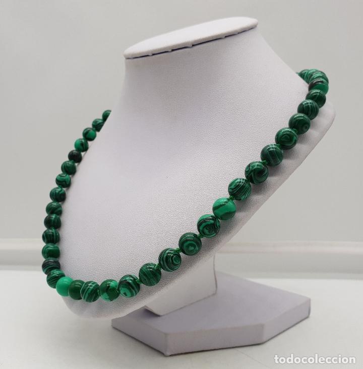 Joyeria: Bella gargantilla en perlas de piedra verde malaquita y cierre reasa chapado en plata de ley . - Foto 2 - 143525434
