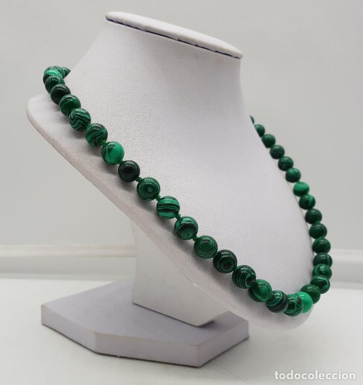 Joyeria: Bella gargantilla en perlas de piedra verde malaquita y cierre reasa chapado en plata de ley . - Foto 4 - 143525434