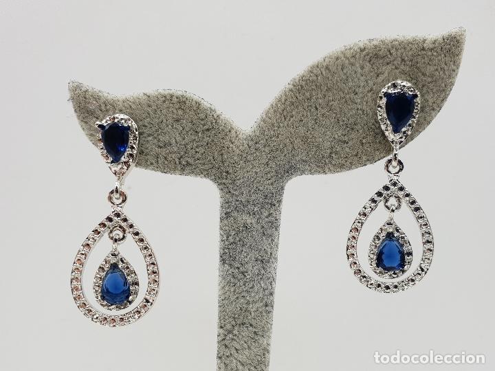 Joyeria: Pendientes tipo art decó chapados en plata y cristal austriaco talla lagrima en tono azul zafiro . - Foto 5 - 143818894