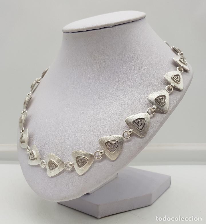 Joyeria: Gargantilla de diseño exclusivo con eslabones triangulares en plata de ley mate . - Foto 2 - 143820098