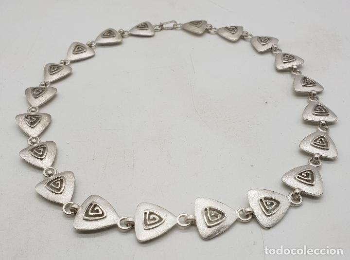 Joyeria: Gargantilla de diseño exclusivo con eslabones triangulares en plata de ley mate . - Foto 5 - 143820098