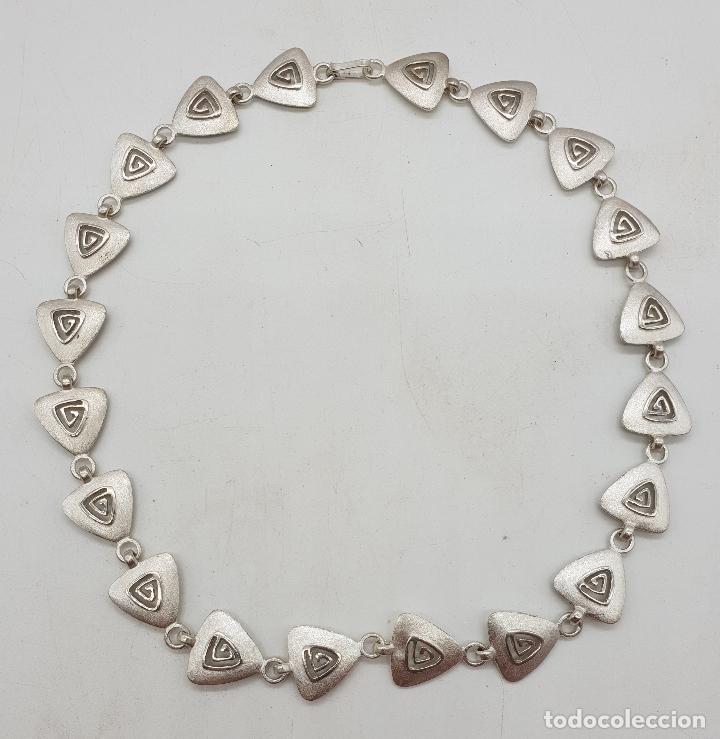 Joyeria: Gargantilla de diseño exclusivo con eslabones triangulares en plata de ley mate . - Foto 6 - 143820098