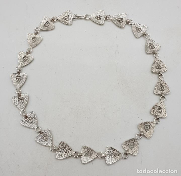 Joyeria: Gargantilla de diseño exclusivo con eslabones triangulares en plata de ley mate . - Foto 7 - 143820098
