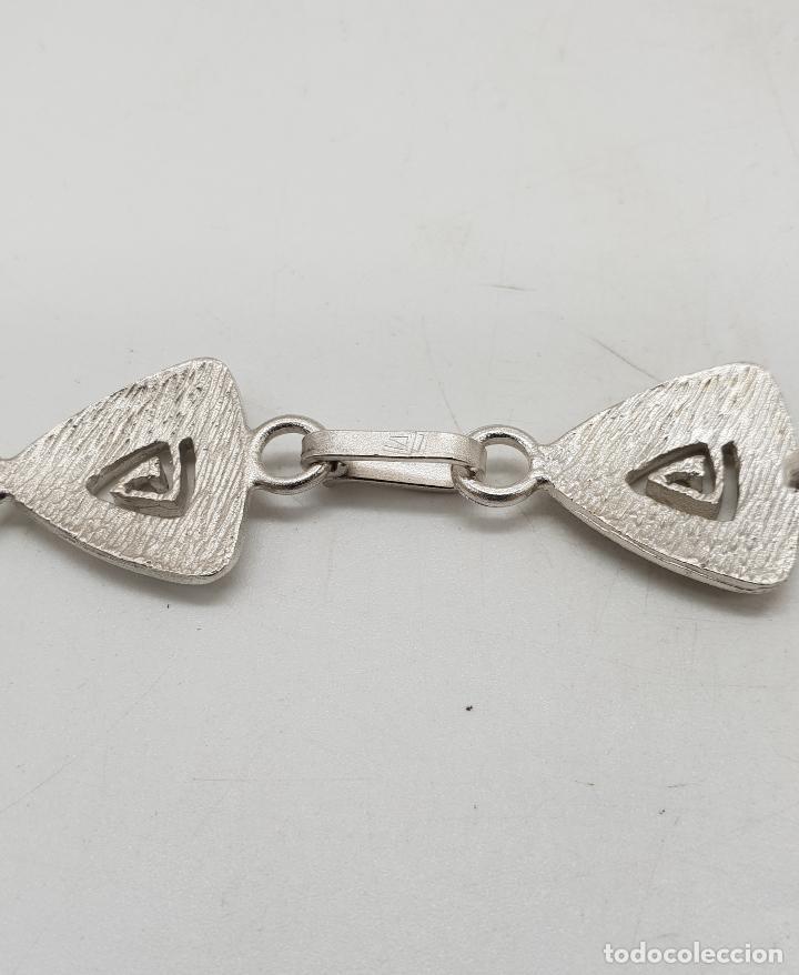Joyeria: Gargantilla de diseño exclusivo con eslabones triangulares en plata de ley mate . - Foto 8 - 143820098