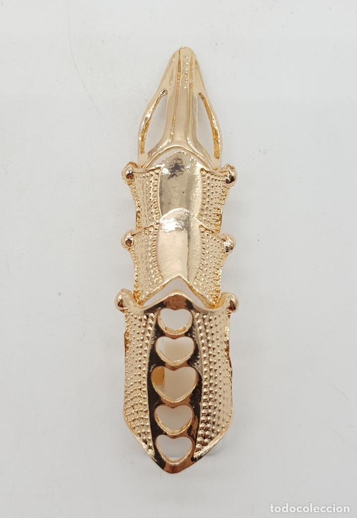 Joyeria: Anillo con forma de garra articulada chapada en oro de ley de estilo gótico . - Foto 5 - 143849250
