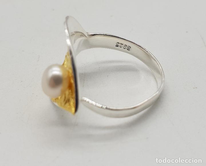 Joyeria: Sortija en plata de ley y oro de 18k con forma de hoja y perla simulando gota de agua, hecho a mano - Foto 5 - 112467359