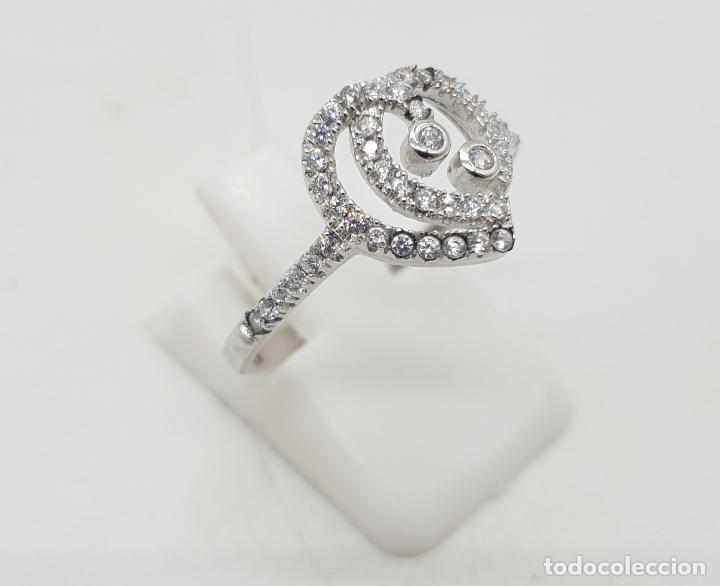 Joyeria: Bella sortija de estilo clasico en plata de ley con pavé de circonitas talla brillante . - Foto 4 - 144271310