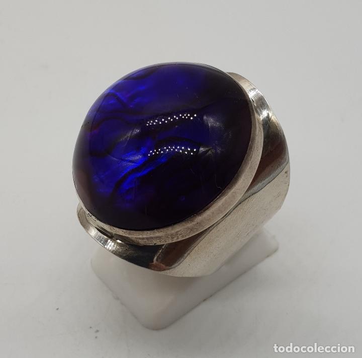 Joyeria: Gran anillo vintage de diseño en plata de ley, fondo de madreperla y cabujón en símil de amatista . - Foto 3 - 144768262