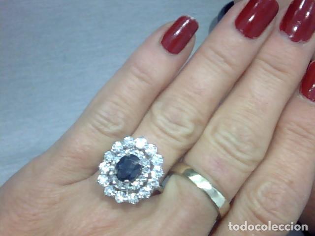 Joyeria: juego de anillo y pendientes oro blanco 18 kl y diamantes - Foto 3 - 144820898