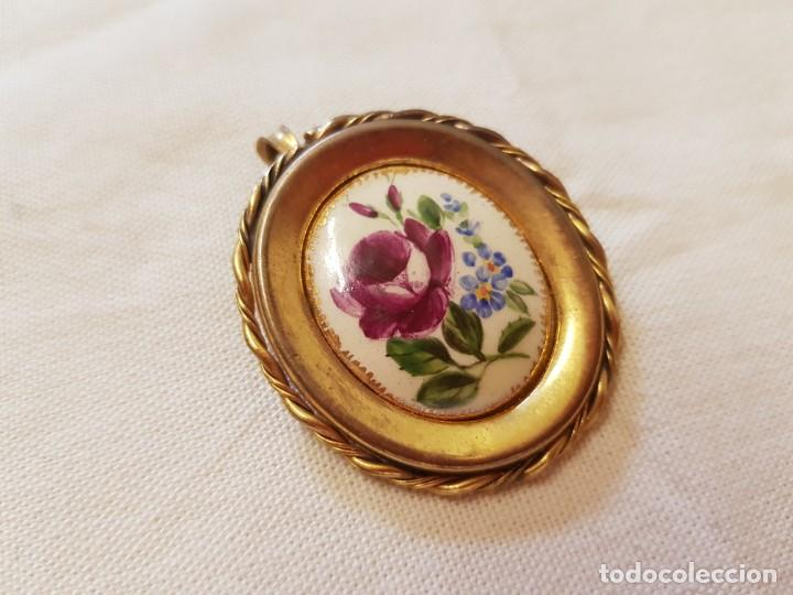 Joyeria: Antiguo broche de porcelana pintado a mano engarzado en metal dorado,broche y colgante. - Foto 2 - 145161322