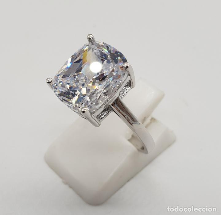 Joyeria: Fantástico anillo de pedida en plata de ley contrastada y gran circón talla cushion engarzado . - Foto 2 - 176645782