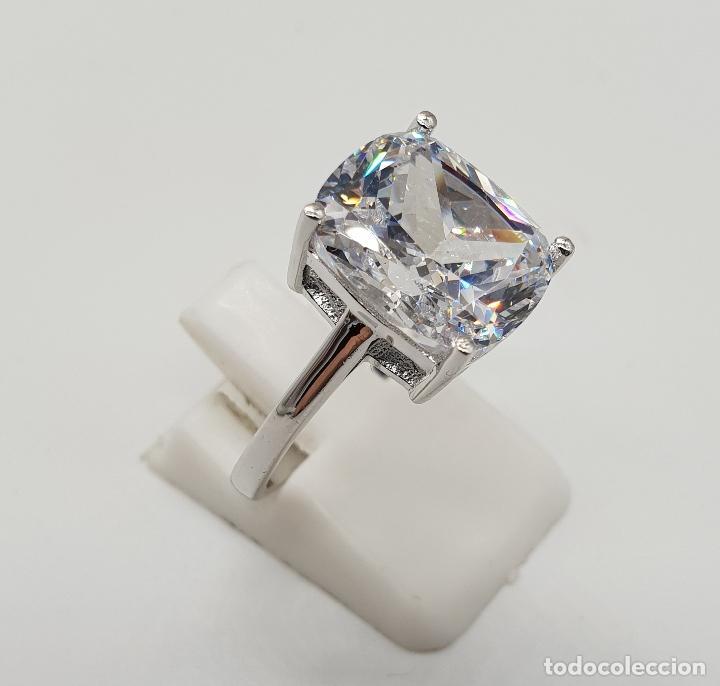 Joyeria: Fantástico anillo de pedida en plata de ley contrastada y gran circón talla cushion engarzado . - Foto 4 - 176645782