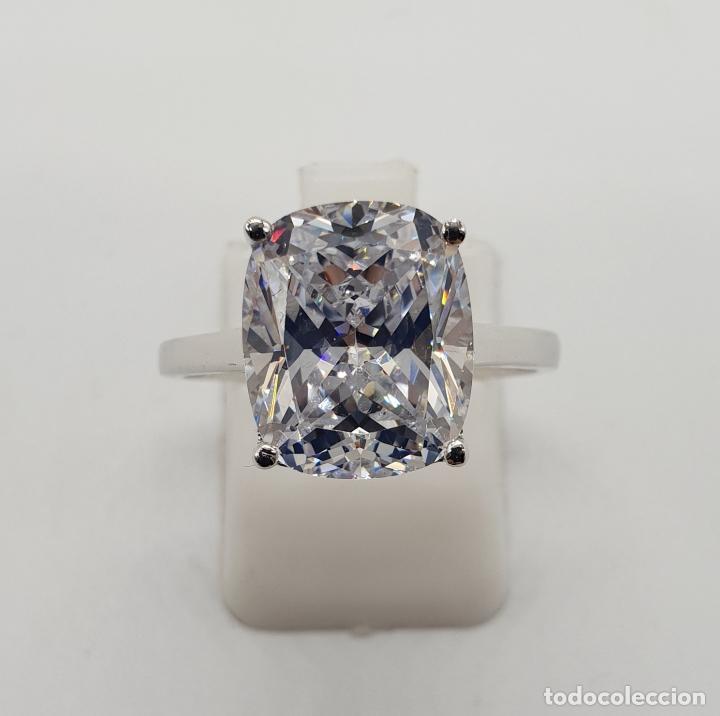 Joyeria: Fantástico anillo de pedida en plata de ley contrastada y gran circón talla cushion engarzado . - Foto 5 - 176645782