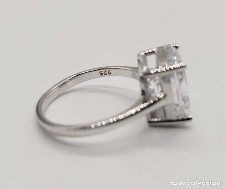 Joyeria: Fantástico anillo de pedida en plata de ley contrastada y gran circón talla cushion engarzado . - Foto 6 - 176645782