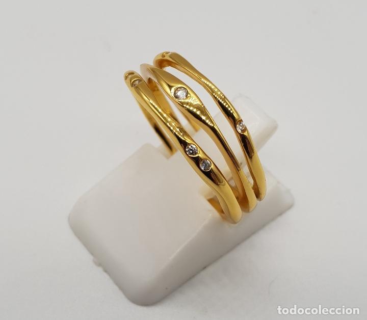 Joyeria: Elegante y sofisticado anillo tipo alianza en plata de ley chapado en oro de 18k y circonitas . - Foto 2 - 146949510