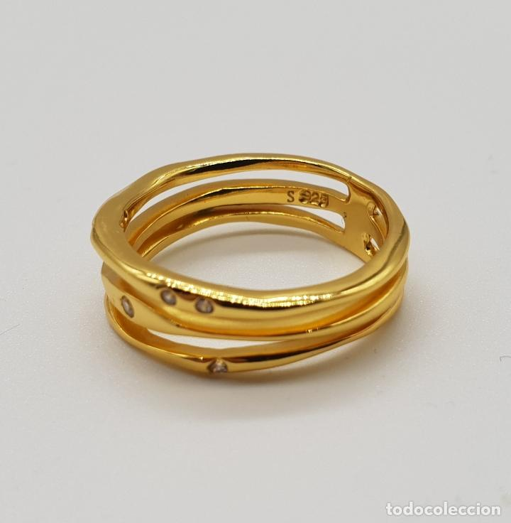 Joyeria: Elegante y sofisticado anillo tipo alianza en plata de ley chapado en oro de 18k y circonitas . - Foto 6 - 146949510