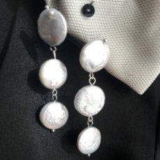 Jewelry - Largos pendientes de madre perla nacar en gris claro - 147178272