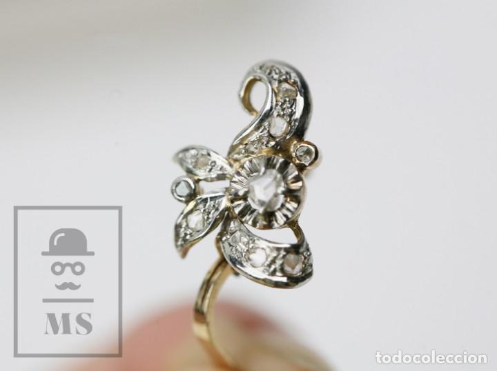 Joyeria: Pareja de Antiguos Pendientes de Oro Amarillo Irradiado y Diamantes - Motivos Vegetales / Hojas - Foto 5 - 147964814