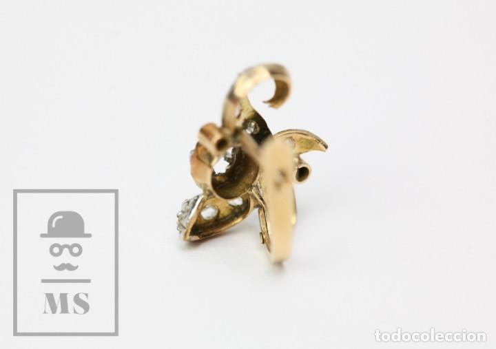 Joyeria: Pareja de Antiguos Pendientes de Oro Amarillo Irradiado y Diamantes - Motivos Vegetales / Hojas - Foto 7 - 147964814