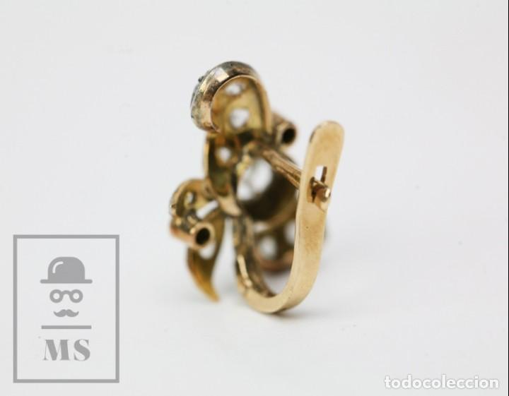 Joyeria: Pareja de Antiguos Pendientes de Oro Amarillo Irradiado y Diamantes - Motivos Vegetales / Hojas - Foto 9 - 147964814