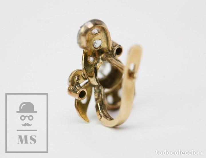 Joyeria: Pareja de Antiguos Pendientes de Oro Amarillo Irradiado y Diamantes - Motivos Vegetales / Hojas - Foto 10 - 147964814