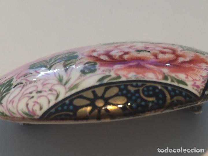 Joyeria: Broche japonés de porcelana pintado a mano y firmado 4x3cm - Foto 2 - 148163061