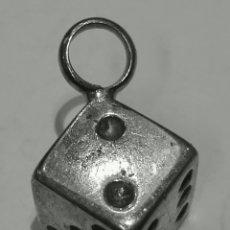 Joyeria: COLGANTE DADO EN PLATA DE LEY MACIZO - 1X1CM - 12GRS. Lote 148411130