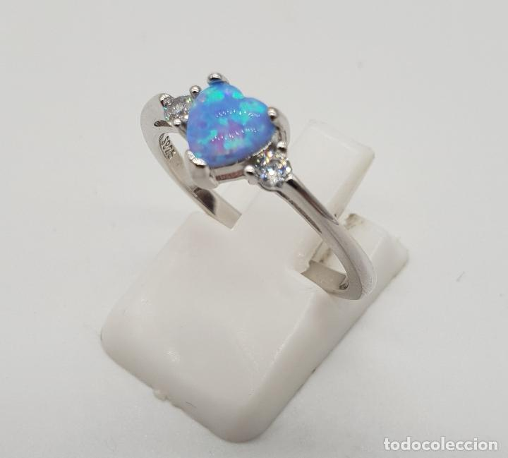 Joyeria: Bella sortija tipo solitario de pedida en plata de ley, circonitas y opalo azul talla corazón . - Foto 2 - 155208324