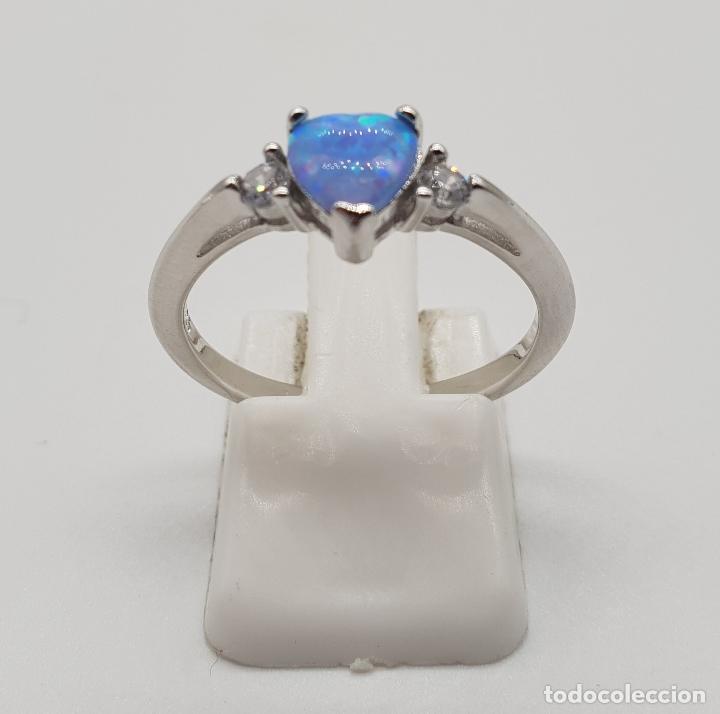 Joyeria: Bella sortija tipo solitario de pedida en plata de ley, circonitas y opalo azul talla corazón . - Foto 3 - 155208324